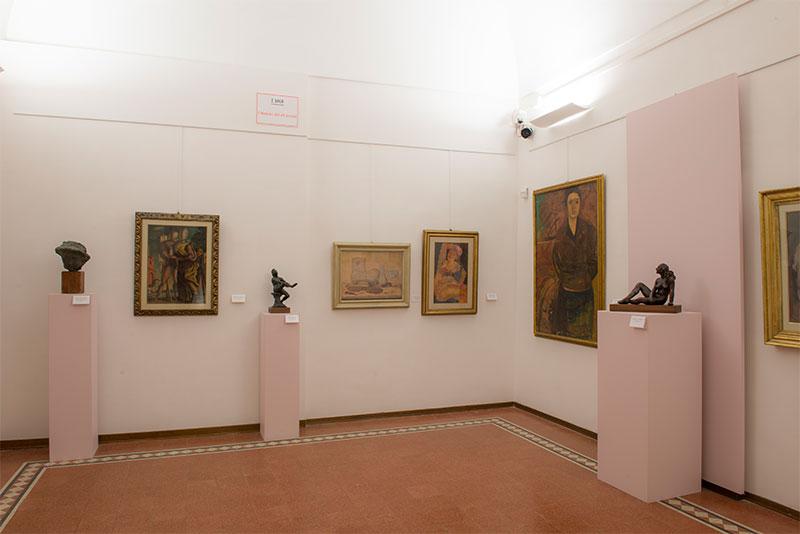 Una delle sale del Museo di Palazzo de Mayo con opere della collezione Paglione